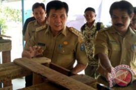 Pemkab Bangka Tengah menargetkan semua nelayan diasuransikan