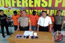 Polres Pangkalpinang ringkus lima pengedar narkoba