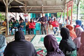 Pasangan Mulya dialog dengan warga Kecamatan Sungailiat