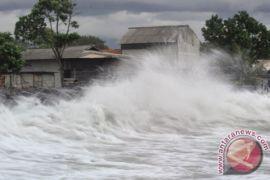 BMKG: pasang laut Membalong mencapai dua meter lebih