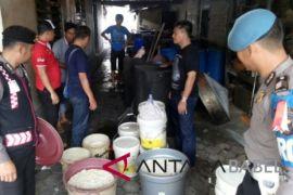 Polres Pangkalpinang amankan pemilik pabrik arak