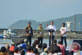 Jokowi: jangan-jangan Bu Susi mau jadi presiden atau wapres