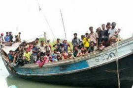 Puluhan warga Rohingya yang terdampar di Aceh alami dehidrasi