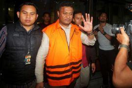 Bupati Buton Selatan ditahan KPK