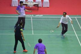 Presiden dan Sultan Brunei bermain bulu tangkis