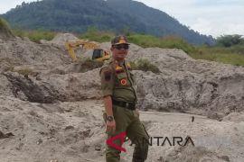 Satpol PP tertibkan tambang ilegal Bukit Mangkol