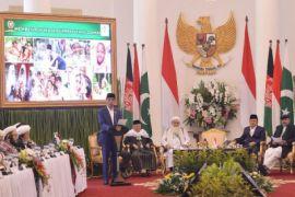 Monas soal Palestina, Istana tentang Afganistan