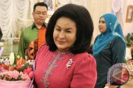 Istri Najib Rajak tiba di KPK