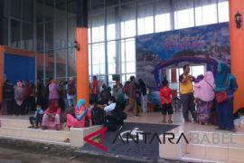 Arus balik di Pelabuhan Tanjung Pandan turun