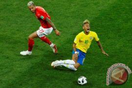 Tim dokter timnas Brasil protes Neymar sering dijegal lawan
