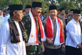 Panglima TNI-Kapolri kunjungi korban kapal tenggelam