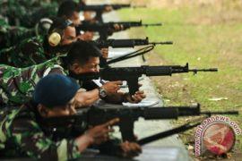 Dua anggota TNI AD korban kelompok bersenjata dievakuasi ke Wamena