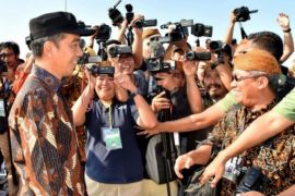Presiden Jokowi: perlu usaha bersama masyarakat dan aparat atasi terorisme