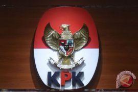 Tim penyidik KPK geledah rumah kepala dinas PUPR Tulungagung