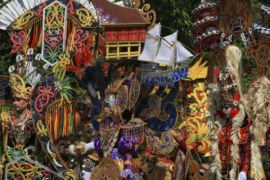 Kostum Solo Batik Carnival
