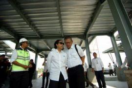 Menteri BUMN tinjau rest area tol baru