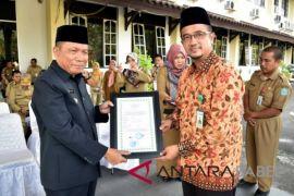 Tarmizi: rumah potong unggas Bangka terima sertifikat halal