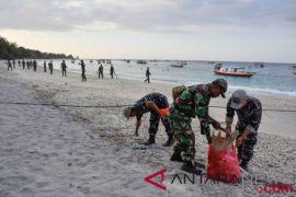 Aparat TNI Siaga Di Trawangan