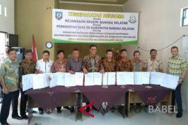 Pemdes se-Kabupaten Bangka Selatan dan Kejari teken MoU