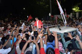 Jokowi-Ma'ruf tiba di KPU RI tumpangi kendaraan off-road