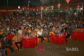 Wabup Bangka Barat ajak warga lestarikan tradisi sembahyang bulan
