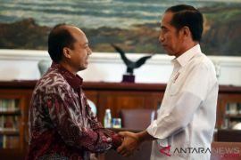 Presiden Jokowi terima Humas BNPB Sutopo