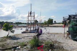 Ditkrimsus Polda Babel razia tambang di Pantai Matras