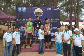 Ratusan pelari ikuti Sungailiat Trail Run 2018