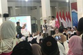 Jokowi tak mau bagikan sepeda di Pesantren Darul 'Ulum Jombang