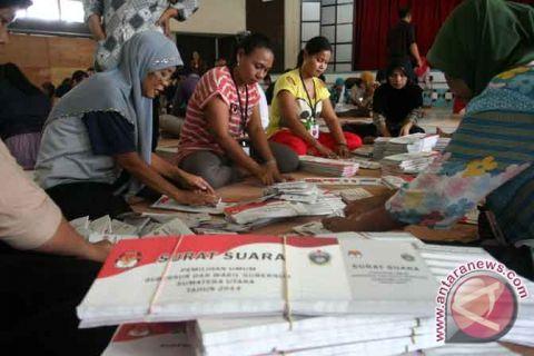 KPU Pangkalpinang sortir surat suara pilkada