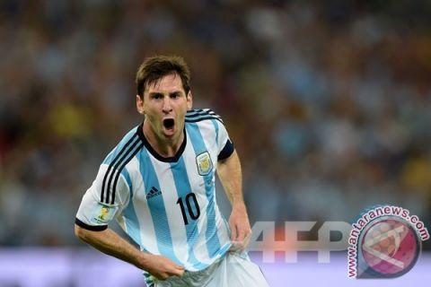 Messi lebih baik daripada Maradona