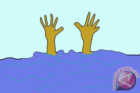 Butuh 20 jam untuk evakuasi sopir pickup tenggelam di Kalimalang
