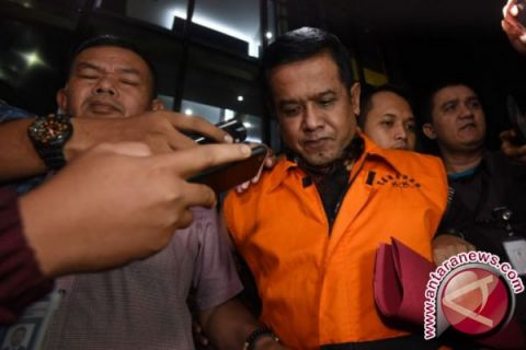 KPK periksa 11 orang terkait gratifikasi Taufiqurrahman