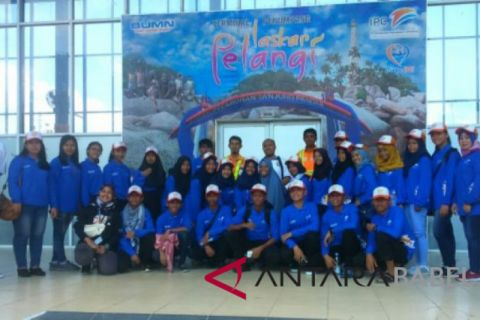 BUMN Hadir - Peserta SMN Sulteng kunjungi Pelabuhan Tanjung Pandan