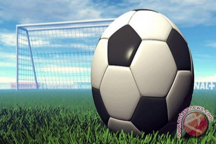 politisi pks ajak kih-kmp main sepak bola