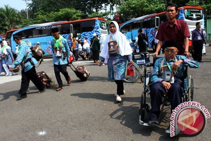 410 Calon Haji Kota Bogor Menuju Embarkasi Bekasi