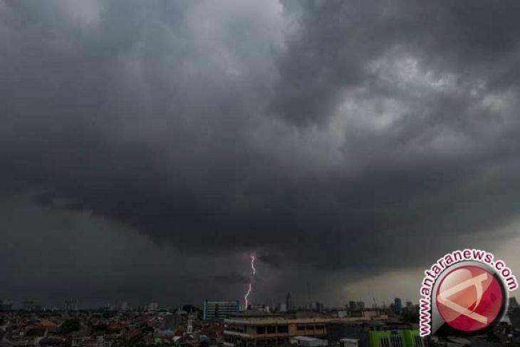 BMKG: Toboali dan Tanjungpandan Berpotensi Dilanda Hujan Petir