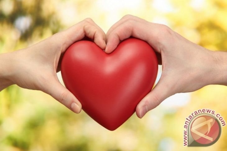 Jatuh Cinta Menyehatkan Tubuh
