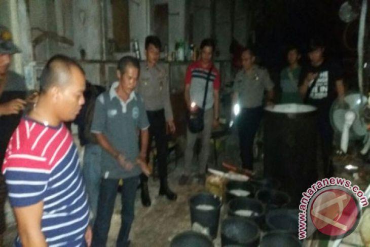 Polisi Bangka Barat Tangkap Pembuat Arak