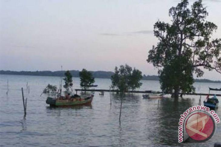 Pemkab Bangka Tengah mendorong warga membudidayakan kerang merah