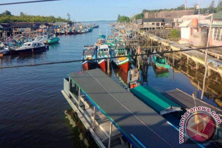 Nelayan Koba Bangka Tengah kesulitan solar