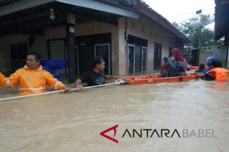 Dinkes: 34 warga Muntok sakit pascabanjir