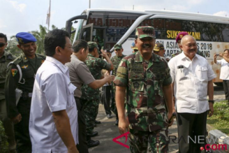Panglima TNI cek kesiapan personel-perlengkapan operasi karhutla