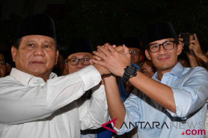 Pasangan Prabowo-Sandiaga ke KPU diiringi shalawat