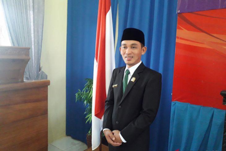 Apri Panzupi dikukuhkan jadi Wakil Ketua DPRD Kabupaten Bangka Tengah