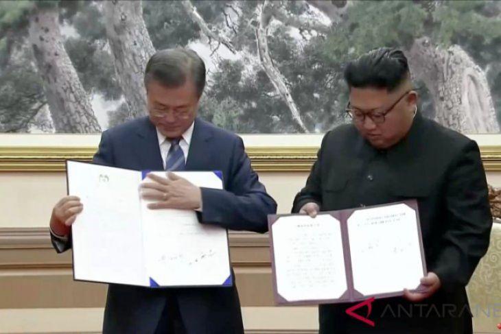 Pemimpin Korsel-Korut tandatangani dokumen di Pyongyang