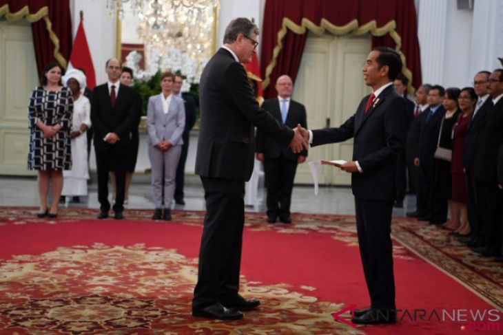 Presiden Jokowi terima surat kepercayaan Dubes LBBP dari 13 negara