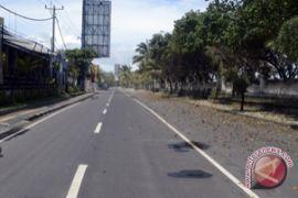 Malam pergantian tahun, jalan Pantai Kuta ditutup