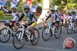200 pesepeda ikuti