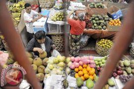 Bupati Buleleng harapkan buah lokal masuk hotel